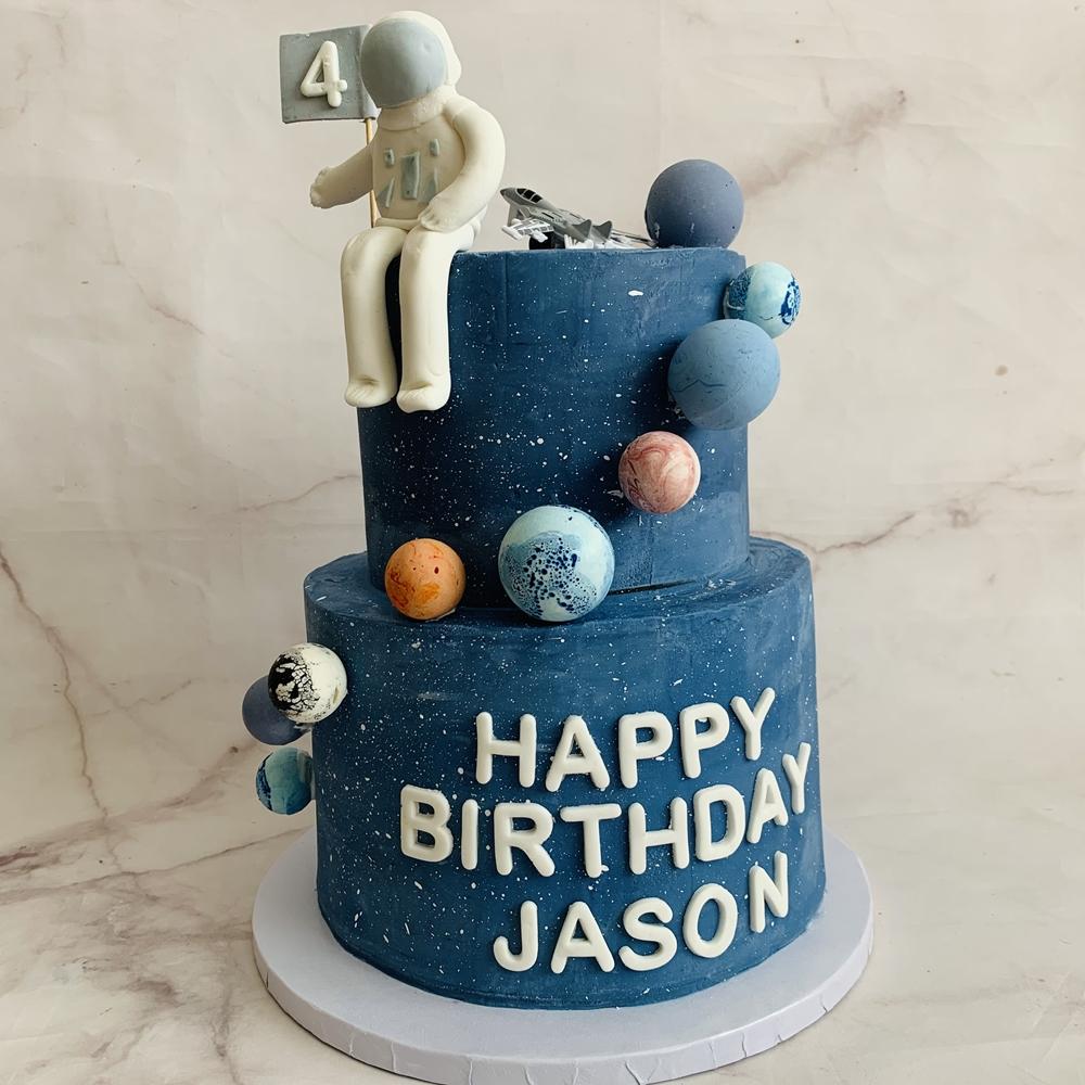 Custom Cake-Astronaut